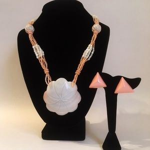 Shell Necklace Earring Set Pendant Pink Off White